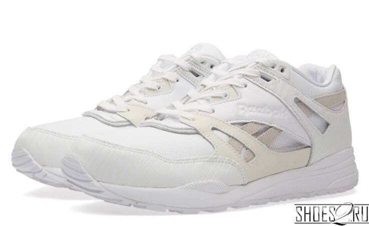 Кроссовки Reebok Ventilator x Invincible CN