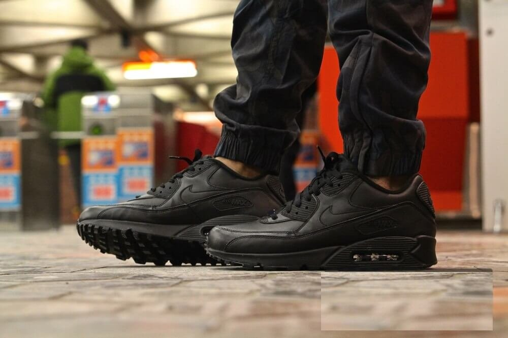 ... Кроссовки Nike Air Max 90 Leather