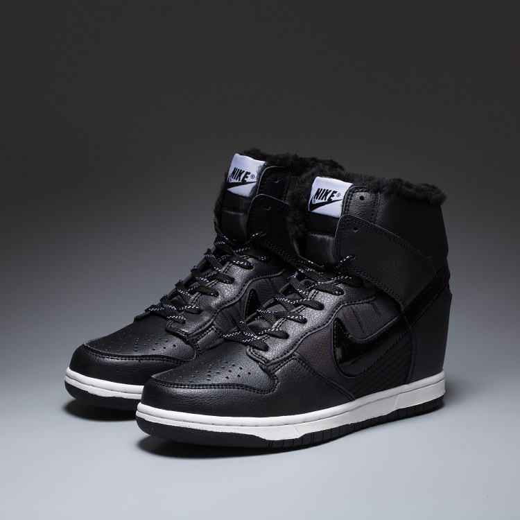 Сникерсы Nike WMNS Dunk Hight