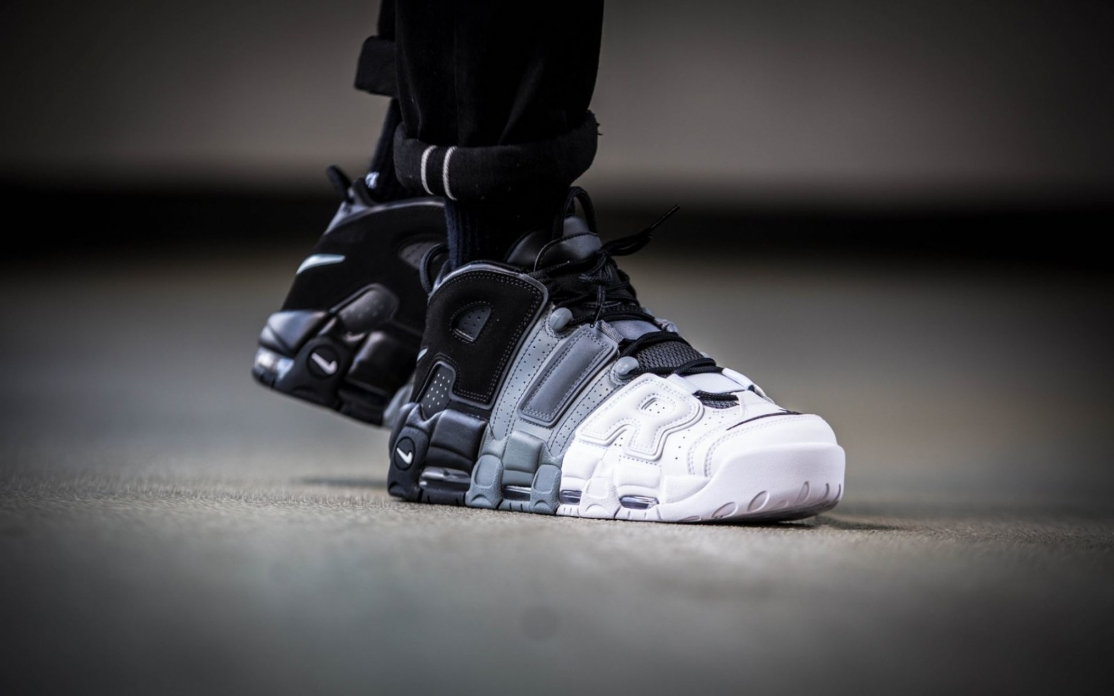Кроссовки Nike Air More Uptempo