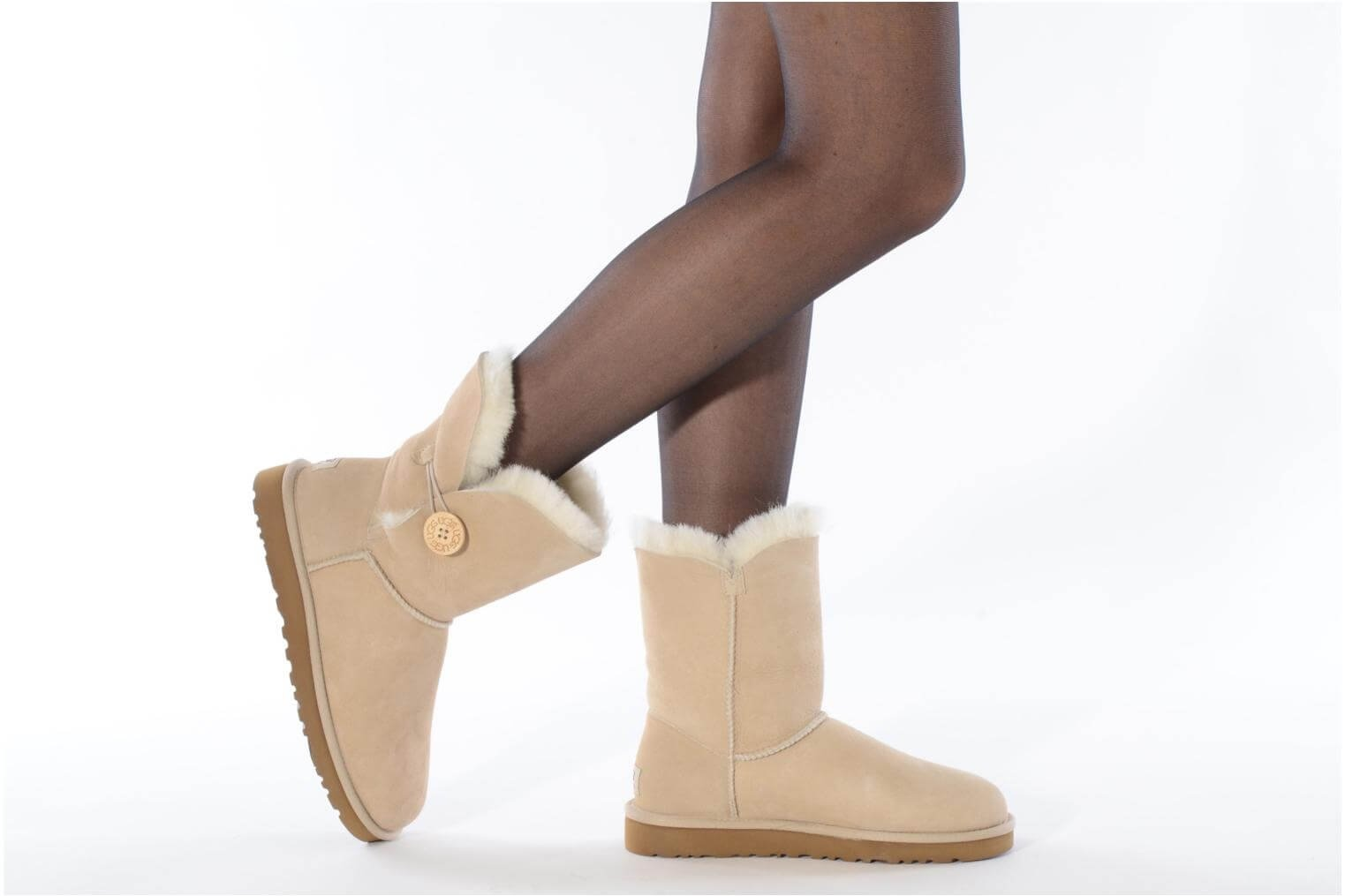 купить UGG Bailey Button (белые)